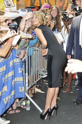 Dianna @ Late दिखाना With David Letterman 08/01/2011