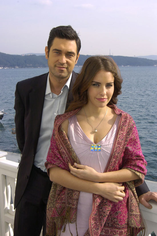 http://images4.fanpop.com/image/photos/24200000/Dudaktan-Kalbe-turkish-tv-series-24224854-550-830.jpg