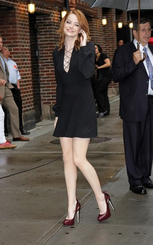 "Emma Stone arriving for her appearance on the ""Late Zeigen with David Letterman"" (August 3)."