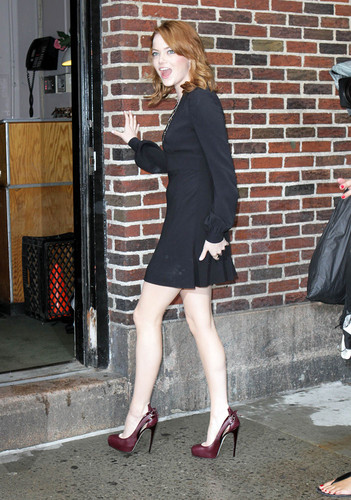 Emma Stone visits the Late Показать with David Letterman in NYC, Aug 3