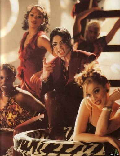 Frame from the video Blood on the dancefloor. Directed by: Michael Jackson and Vincent Paterson
