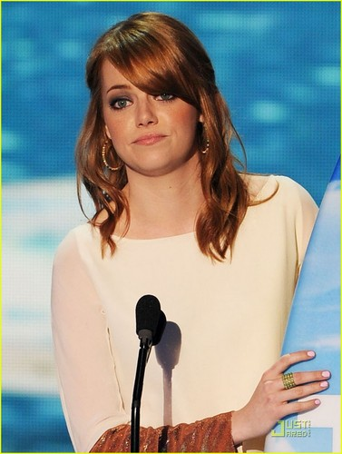 Emma Stone - Teen Choice Awards 2011 Presenter!