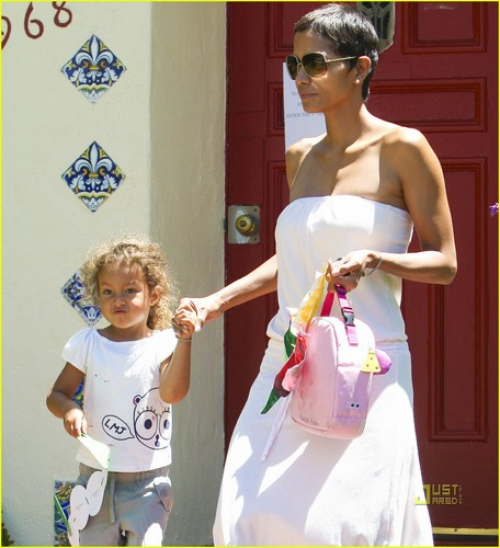 Halle Berry & Nahla: Preschool Pair