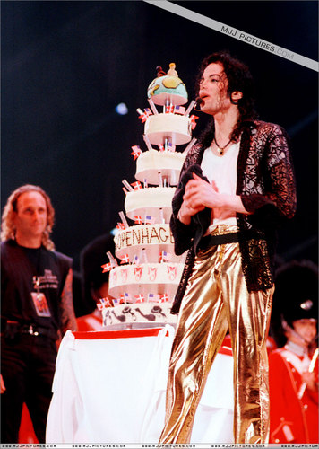 MJJ THE KING OF POP FOREVER AND EVER!!!!